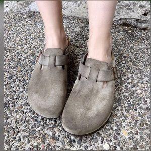 Cool and comfy, BIRKENSTOCK, slip on sandals!!